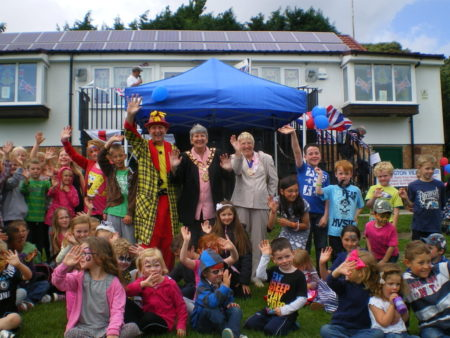 OZ The fun Children's Entertainer for all fun days and Hampshire events